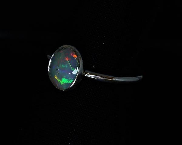 Bilde av Ring med opal, Etiopia