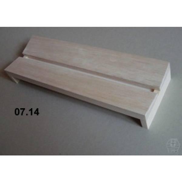 Bilde av Spennbrett i balsa, 10 x 30 cm, 10 mm bred grop