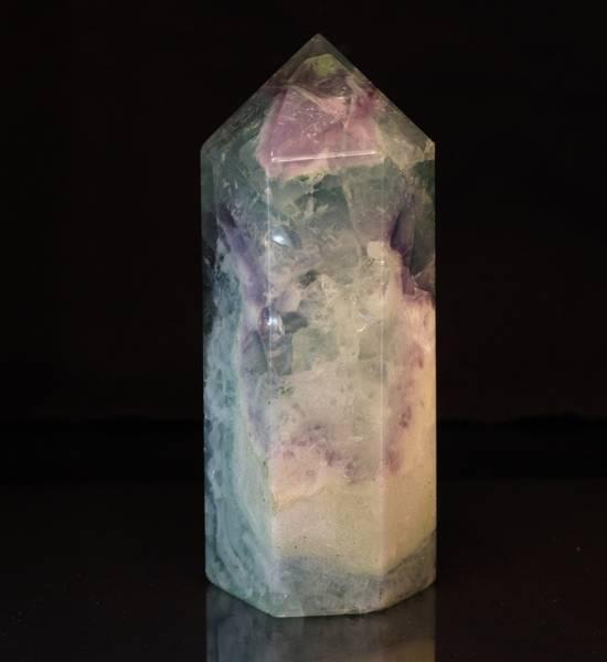 Bilde av Obelisk av regnbuefluoritt