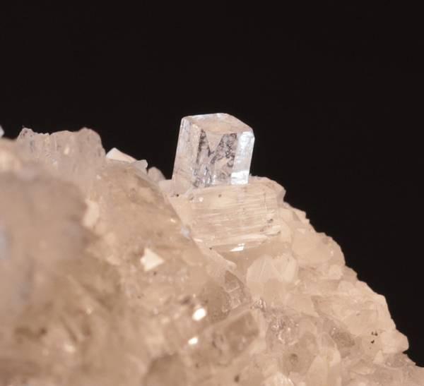 Bilde av Fluorapofyllitt, Kjørholt gruver