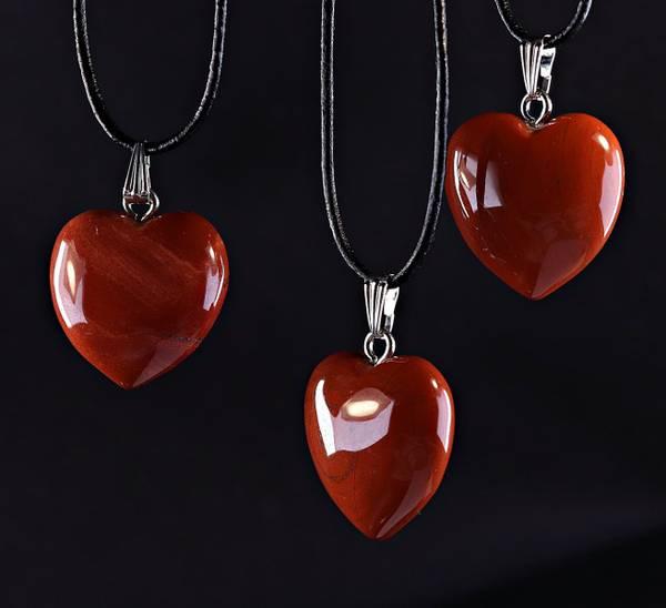 Bilde av Hjerteanheng, rød jaspis