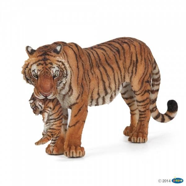 Bilde av Tigermor med unge i munnen (Panthera tigris)