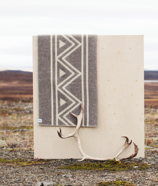Bilde av Sami stories lamullpledd gråmelert/natur