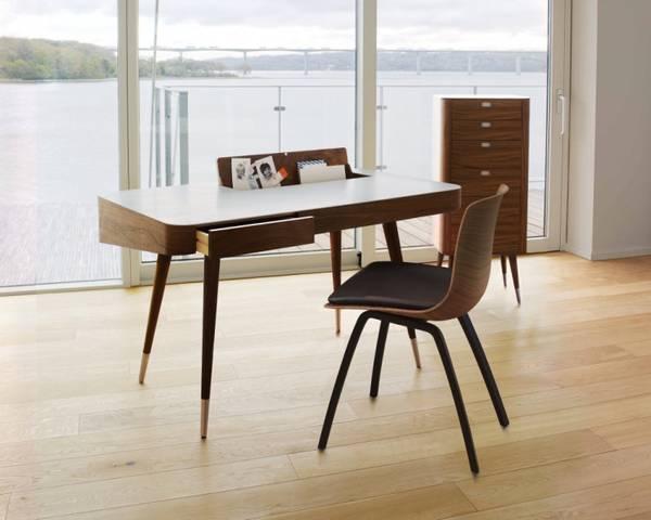 Bilde av AK 1330 Valnøtt Skrivebord