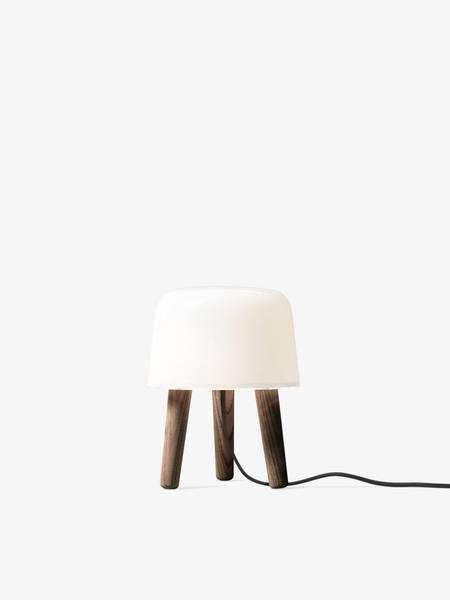 Bilde av &tradition milk bordlampe, smoked ash