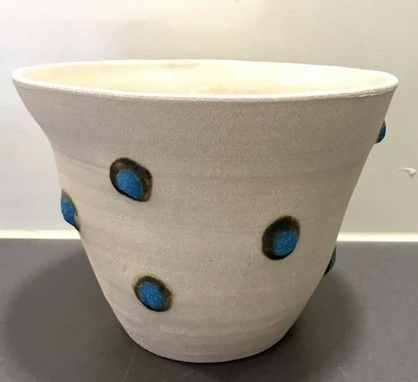 Bilde av Liv Aursand - Vase med turkise prikker