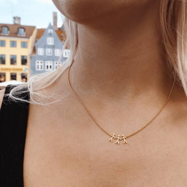 Bilde av byBiehl Together Family 3 Necklace Gold