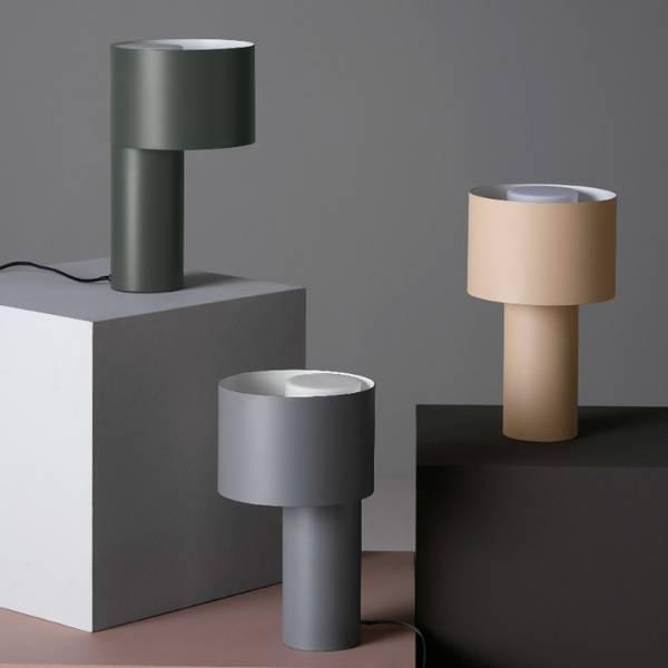 Bilde av TANGENT TABLE LAMP- COOL GREY