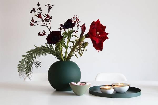 Bilde av Ball Vase - Mørk Grønn