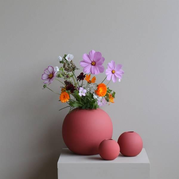 Bilde av Ball Vase - Rust