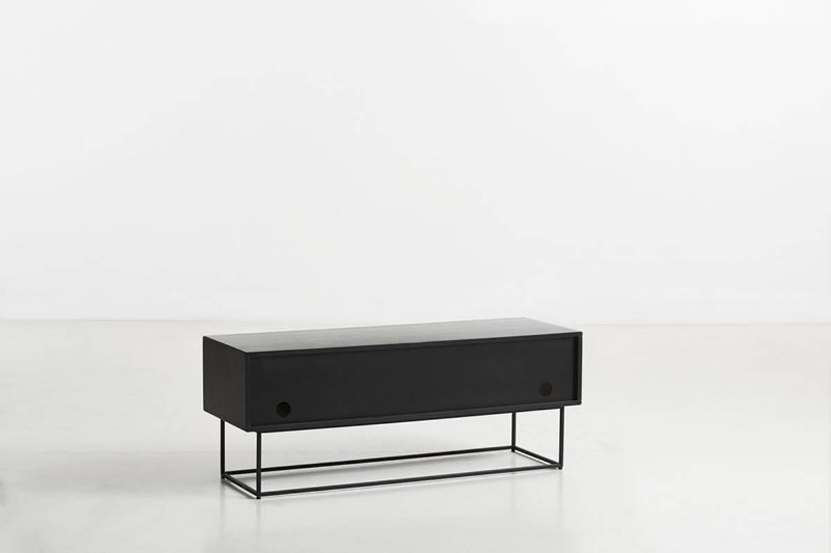 Virka skjenk Lav - Svart/Eik - Woud Design