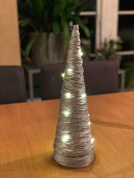 Bilde av Spyd med LED-lys i sølv - 40 cm