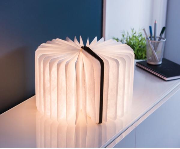Bilde av Oppladbar booklight led lys i valnøtt