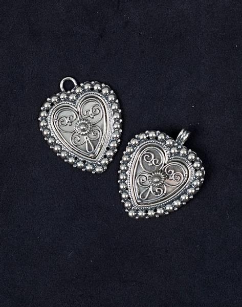 Bilde av Spenner til cape i oksidert sølv - Valgfri sten - 17763