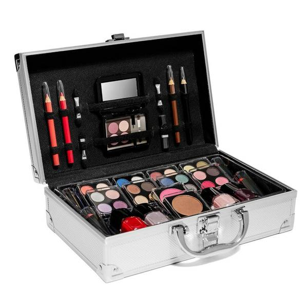 Bilde av Sminkekoffert med all makeup du trenger