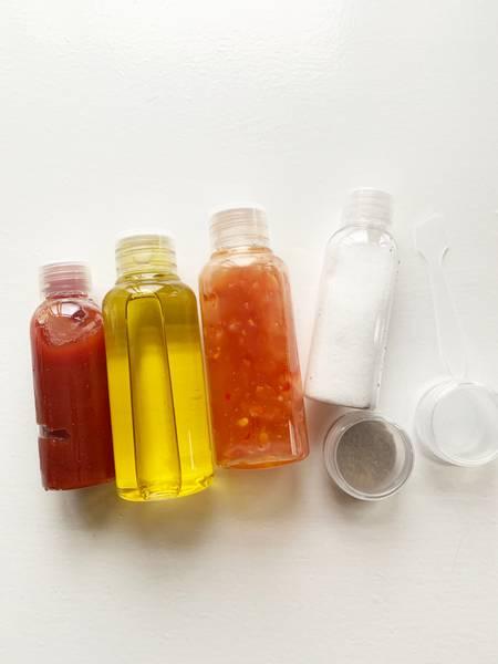 Bilde av Reisesett 4 flasker + 2 bokser for krem - Godkjent for bruk