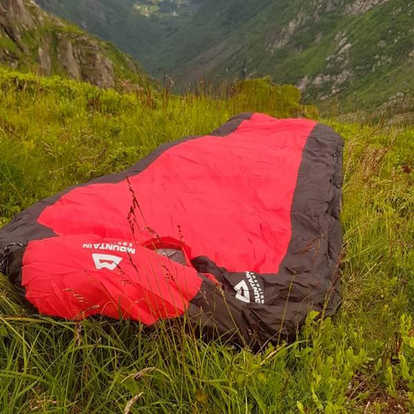 Bilde av Rød sovepose for temperatur ned til -20