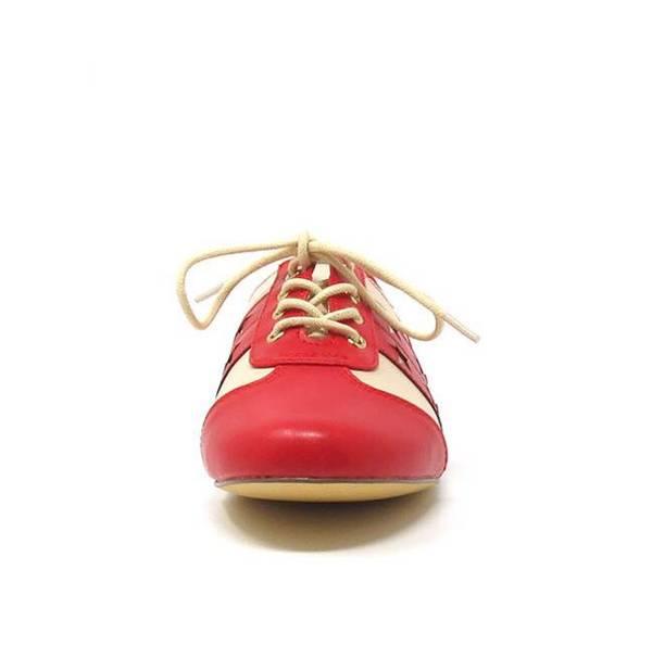 B.A.I.T. - Essie Red Sko
