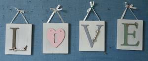Bilde av LOVE hengebrikker