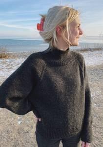 Bilde av PetiteKnit Louvre Sweater - Garnpakke