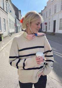 Bilde av PetiteKnit Marseille Sweater - Garnpakke
