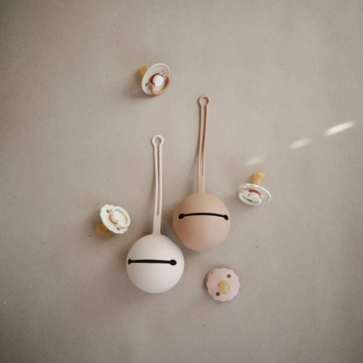 Smokkbeholder Silikon - Mushie - Sand