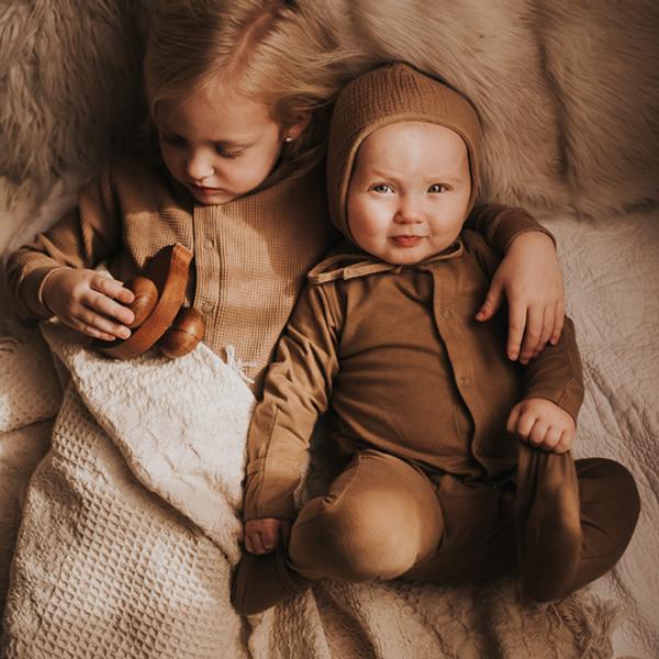 Bilde av Pyjamas - The Simple Folk - Økologisk Bomull - Camel