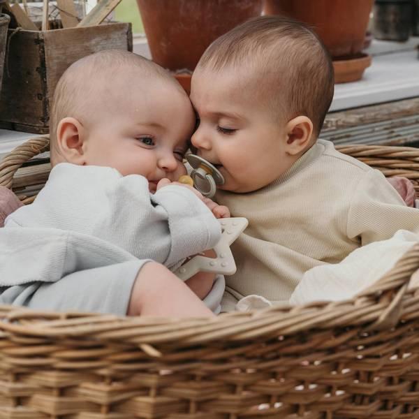 Bilde av Bibs Biteleke Baby Bitie - Stjerne - Baby Blue