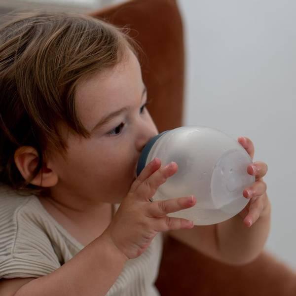 Bilde av Tåteflaske i Silikon - Elhee - 150ml - Khaki