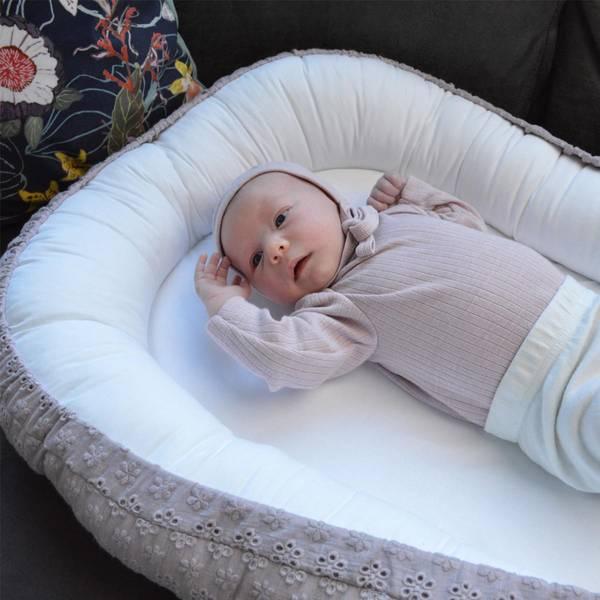 Bilde av Babynest Brodert - Babyly - Lilla