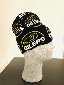Bilde av Oilerslue med mange logoer