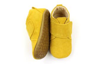 Bilde av Hjemmesko i Mustard Suede med velcro fra pom pom