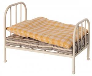 Bilde av Metall vintage seng i off white fra Maileg