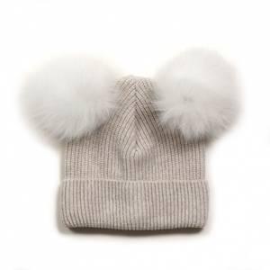 Bilde av Knitted fold up i White med 2 White alpaca pompom fra