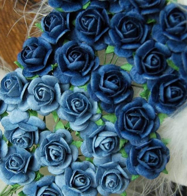 Bilde av Roser 1,8 cm Lys og mørk blå