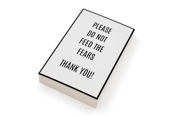 Bilde av 50 stk | Please do not feed the fears | 10x15 cm