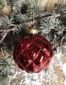 Bilde av Rubin juletrekule i mørk rød
