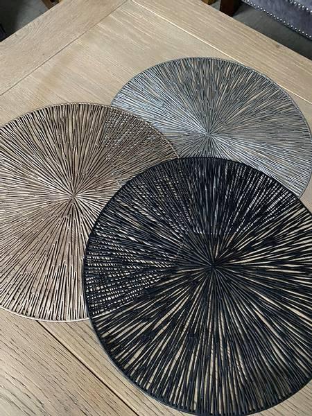 Dekkebrikke PVC-kutt sølv 39cm