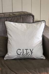 Bilde av City Hotel Basic Pillow Cover