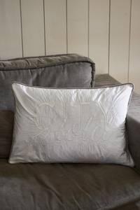 Bilde av City Hotel Pillow Cover white