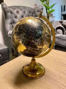 Bilde av Globus med gullfarget fot