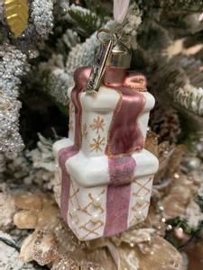 Bilde av Sweet Presents Ornament by
