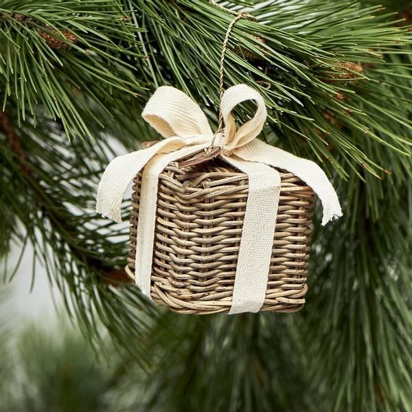 Rustic Rattan Christmas Present S