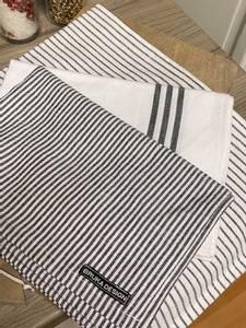 Bilde av Stripet kjøkkenhåndkle, sort