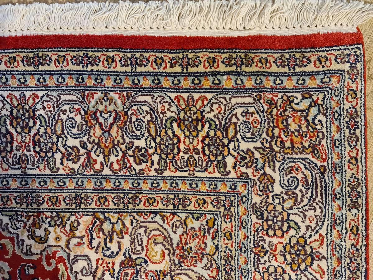 Kashmir silke str 182  x 118