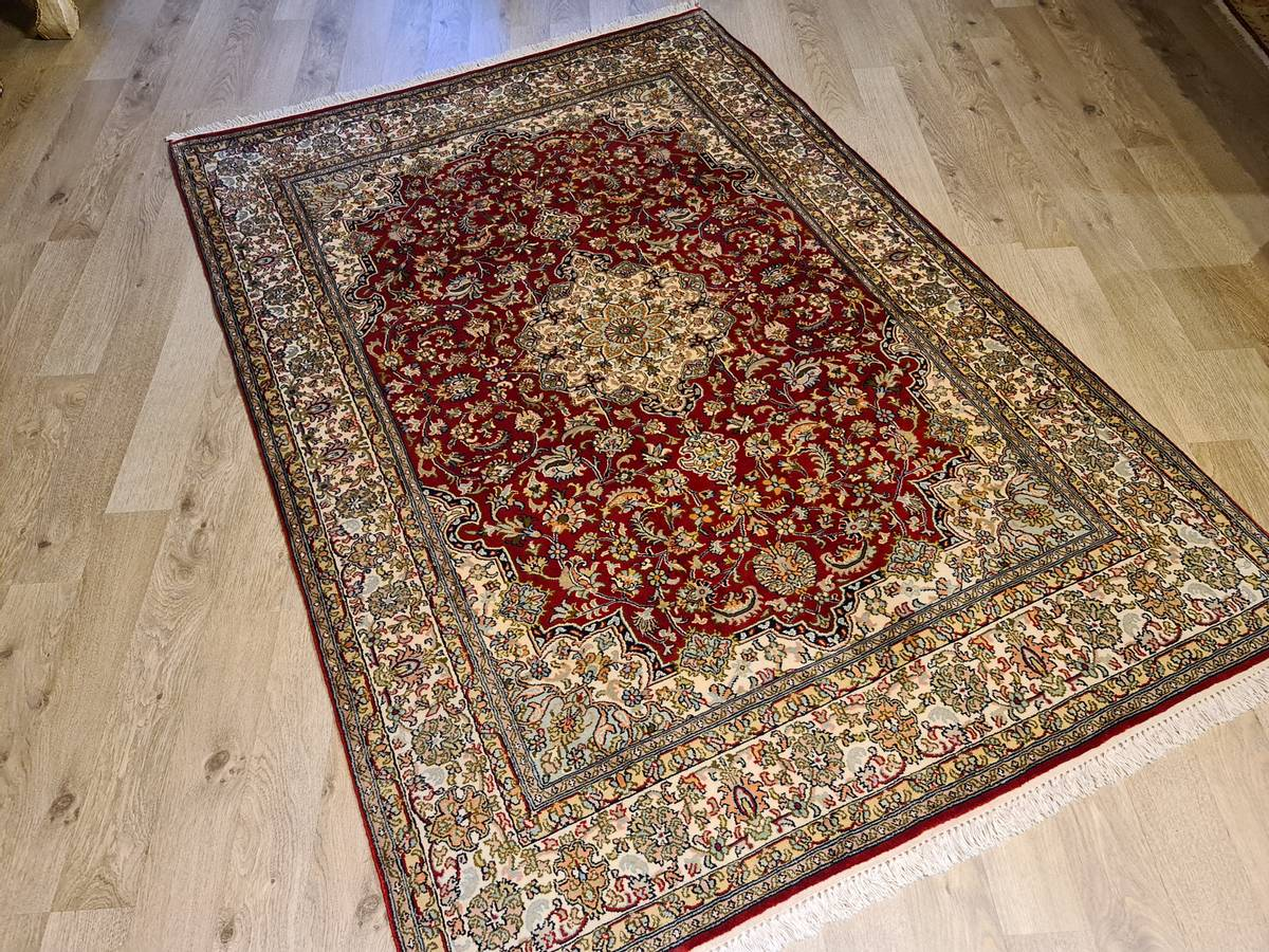 Kashmir silke str 185 x 127