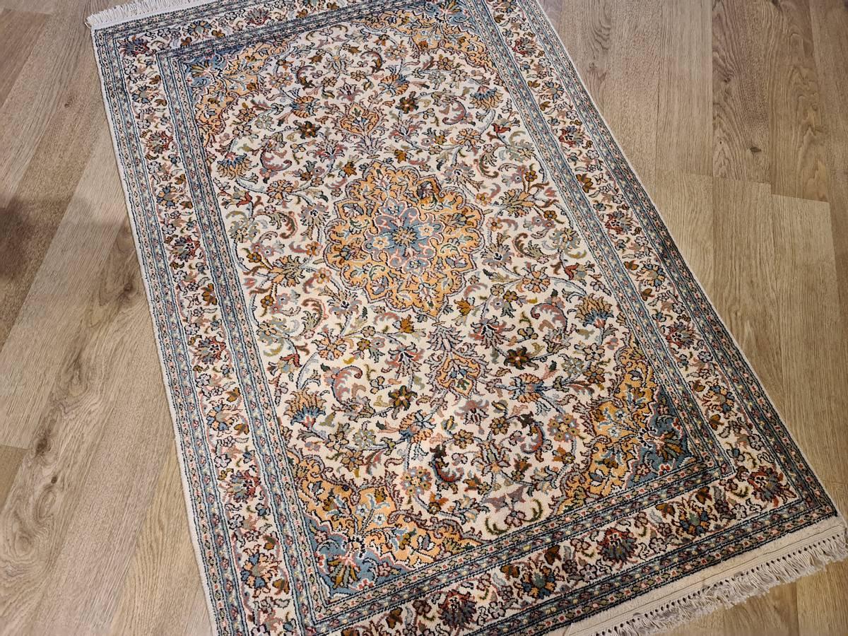 Kashmir silke str 124 x 84