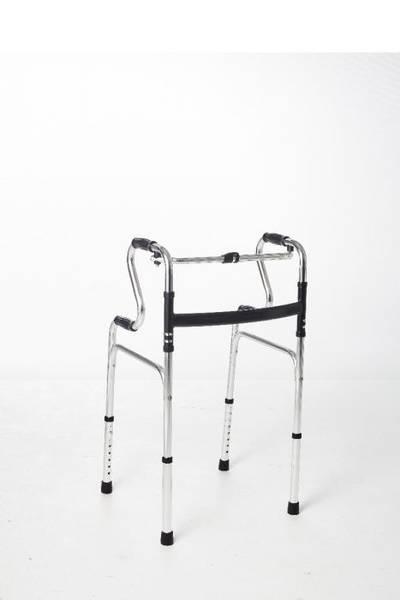 Flyttbar toalettstol / toalettforhøyer med armlener mm - 6 funks