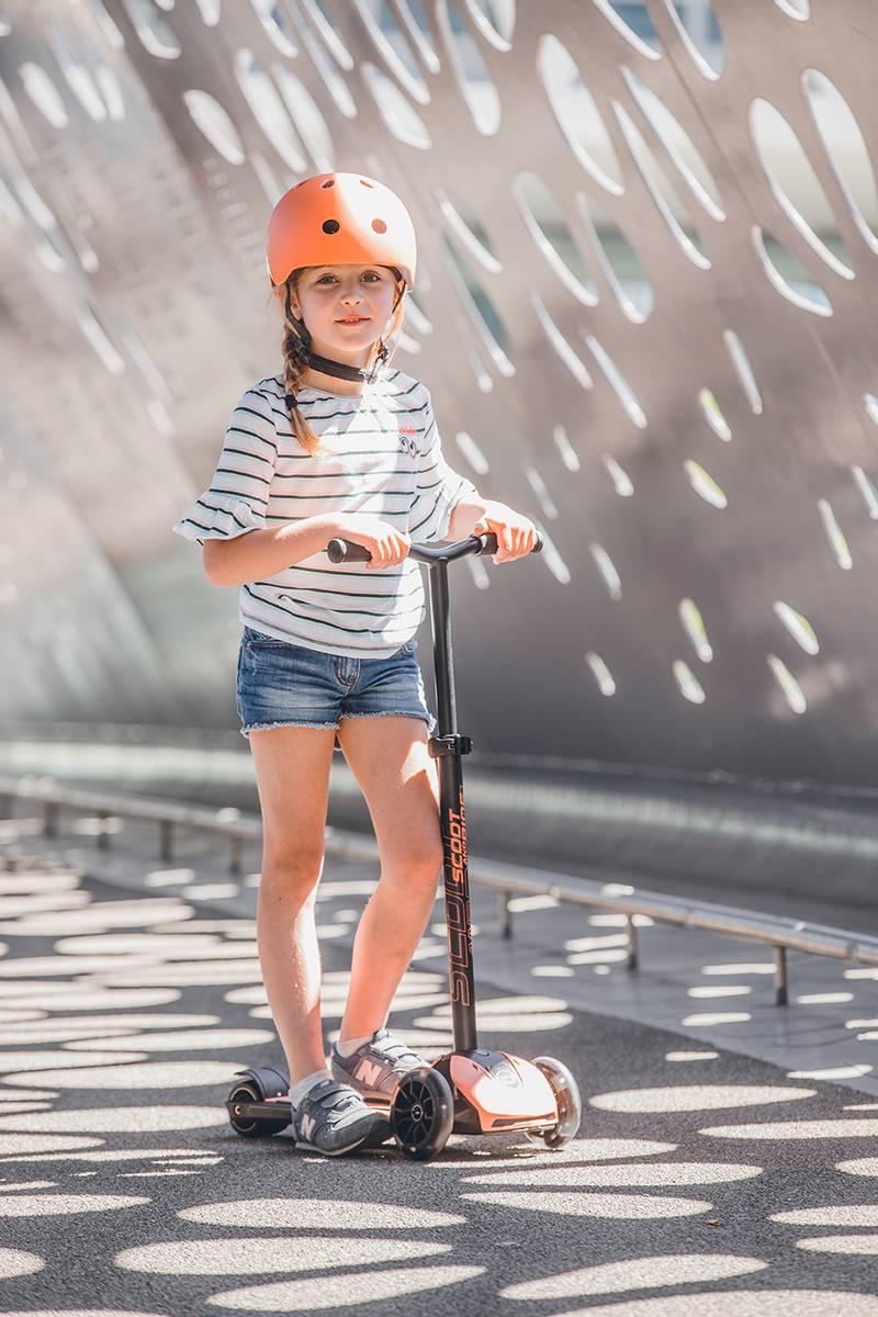 Scoot & Ride Highwaykick 5 LED - peach