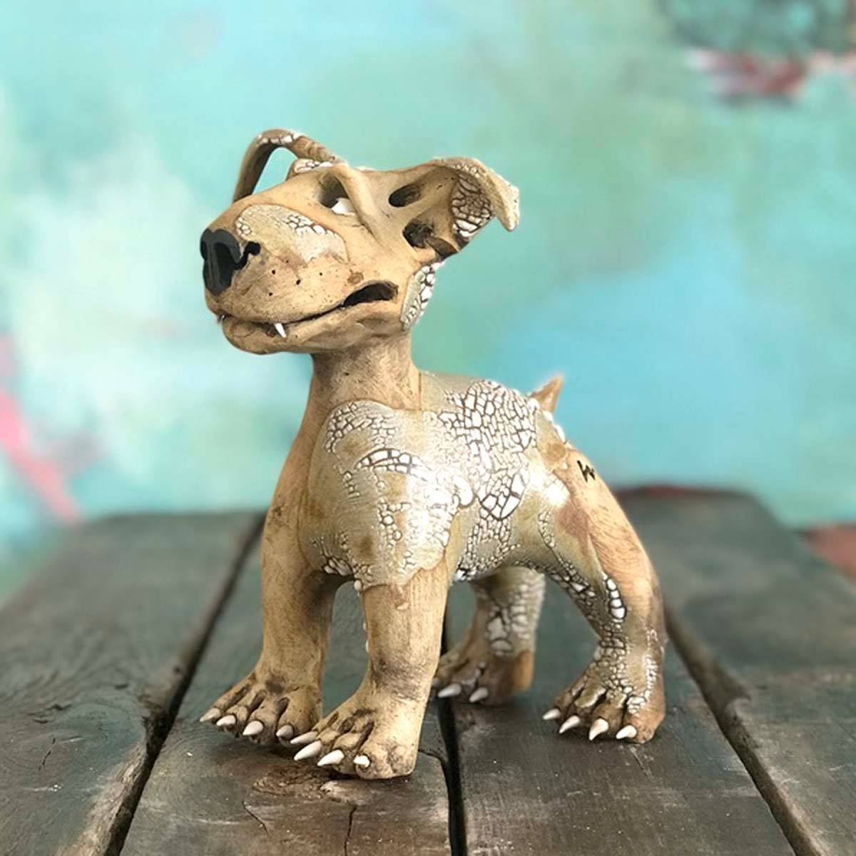 Gro, 20 cm skulptur keramikk hund